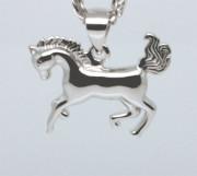 Stříbrný přívěšek na řetízek kůň 303616