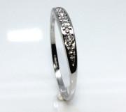 Stříbrný prsten se zirkony 1670