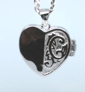 Stříbrný medailonek srdíčko 307381